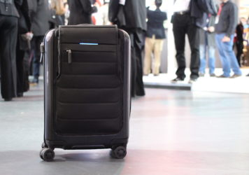 Bluesmart_connected_carry-on_17135575321-2-356x250.jpg