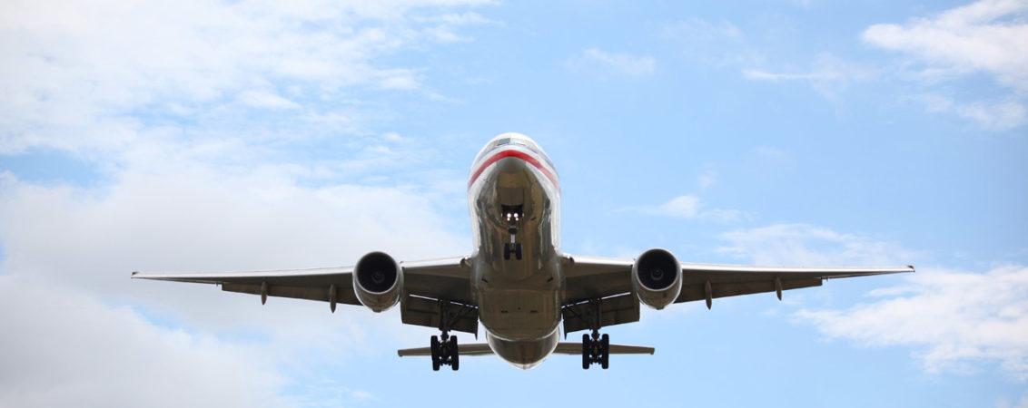 airplane-landing-1132x450.jpg